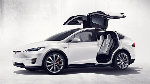 A Tesla új szabadalma: 15 perc alatt 100%-os akksi