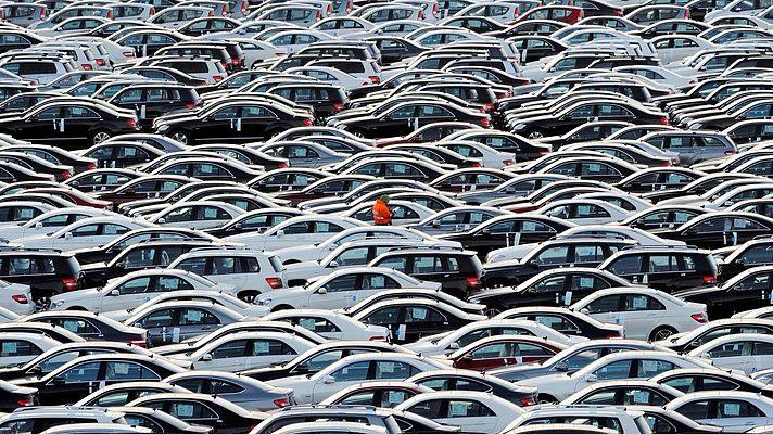 Szlovénia is véget vetne a hagyományos autózásnak