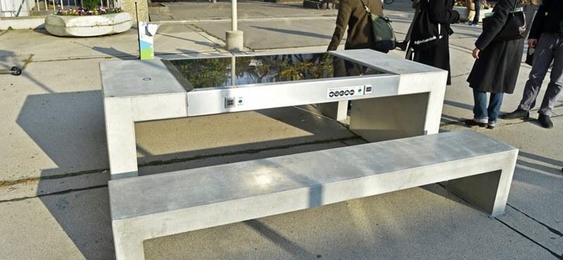Bécsben már használják a napelemes padokat
