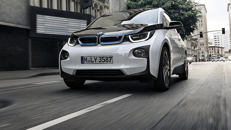 Norvégiában az új autók több mint a fele elektromos vagy hibrid