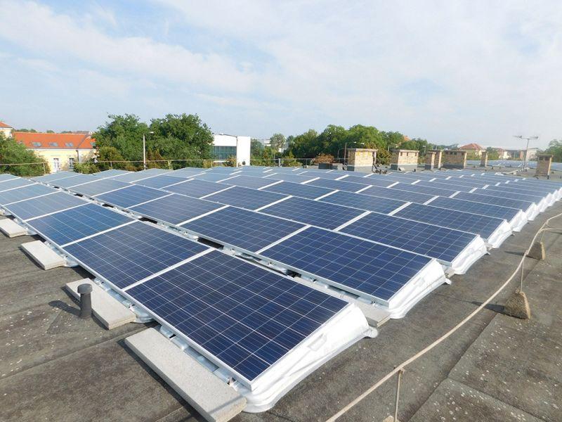 Miért éri meg intézményeknek is napelembe fektetni?