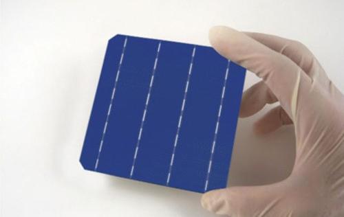 Napelemtípusok: mi a különbség a mono- és polikristályos napelemek között? Melyiket érdemes választani?